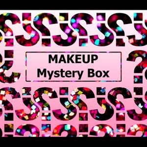 Make Up/Cosmetic Mystery Box🧁 25